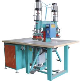 <em>PVC</em><em>卷帘门</em>生产机器