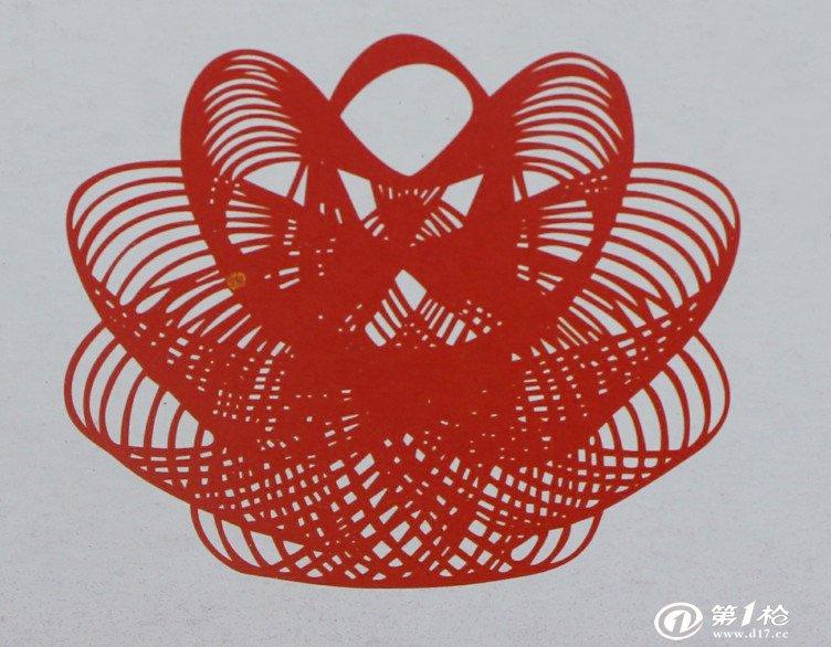 兔子的对折剪纸步骤画法