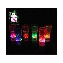 冬超玩具 5个<em>杯子</em>打一包 彩色闪光啤酒杯 七彩<em>发光</em>可乐杯