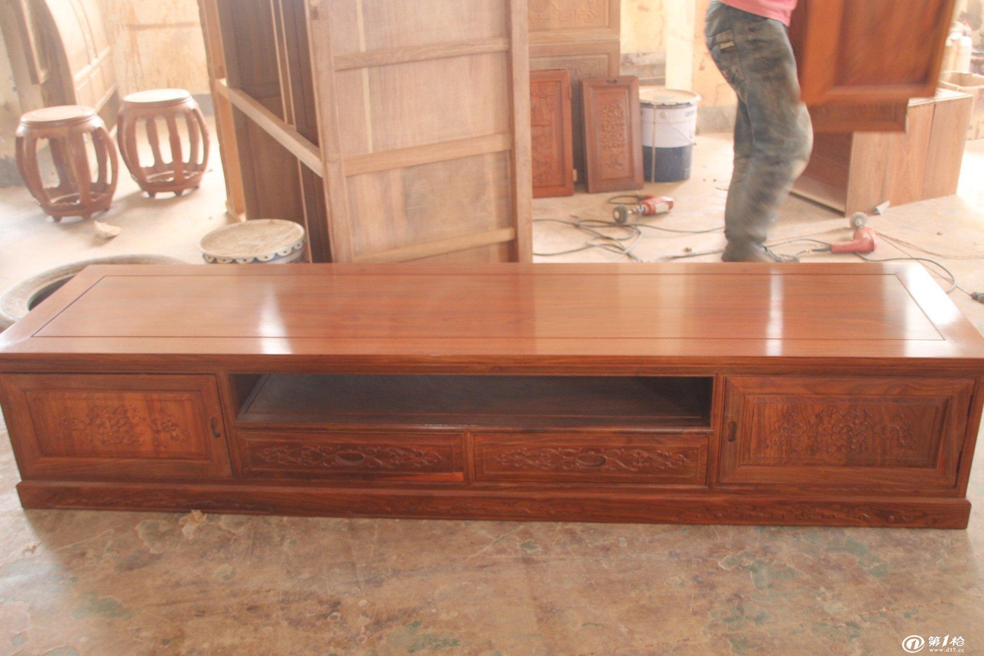 红木家具/东阳红木家具/客厅系列之缅花太子电视柜