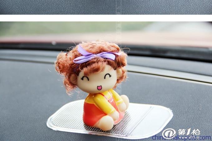供应厂家直销高品质汽车车内挂饰,洋娃娃小饰品