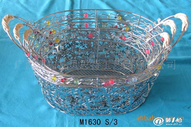 竹,木,藤,草,柳,铁,麻为原材料的手工编织产品,主要有食品包装篮,水