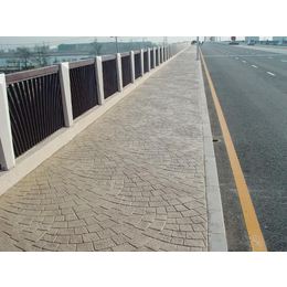 压模地坪夏季施工注意事项 完美压花道路的成功方案