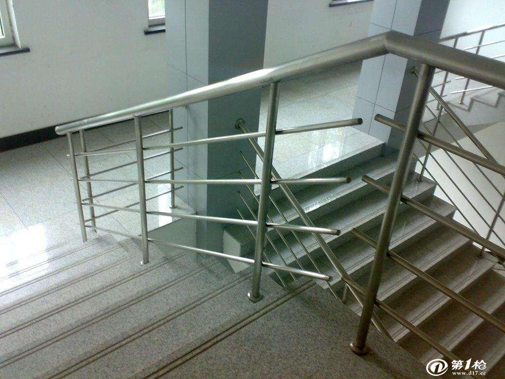 不锈钢楼梯扶手保养方法