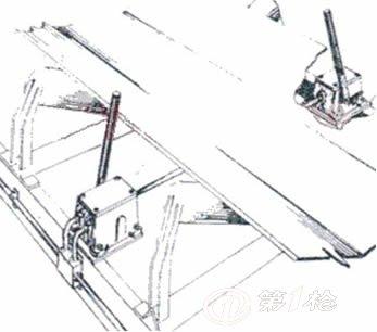 开关接线图贴于外壳上盖封垫上.