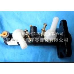 供应液压制动总泵