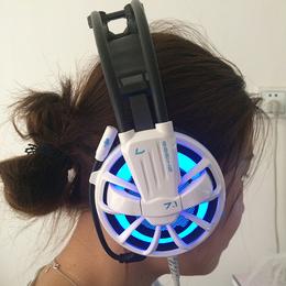 磁动力ZH1300头戴式专业游戏炫彩发光网吧耳机