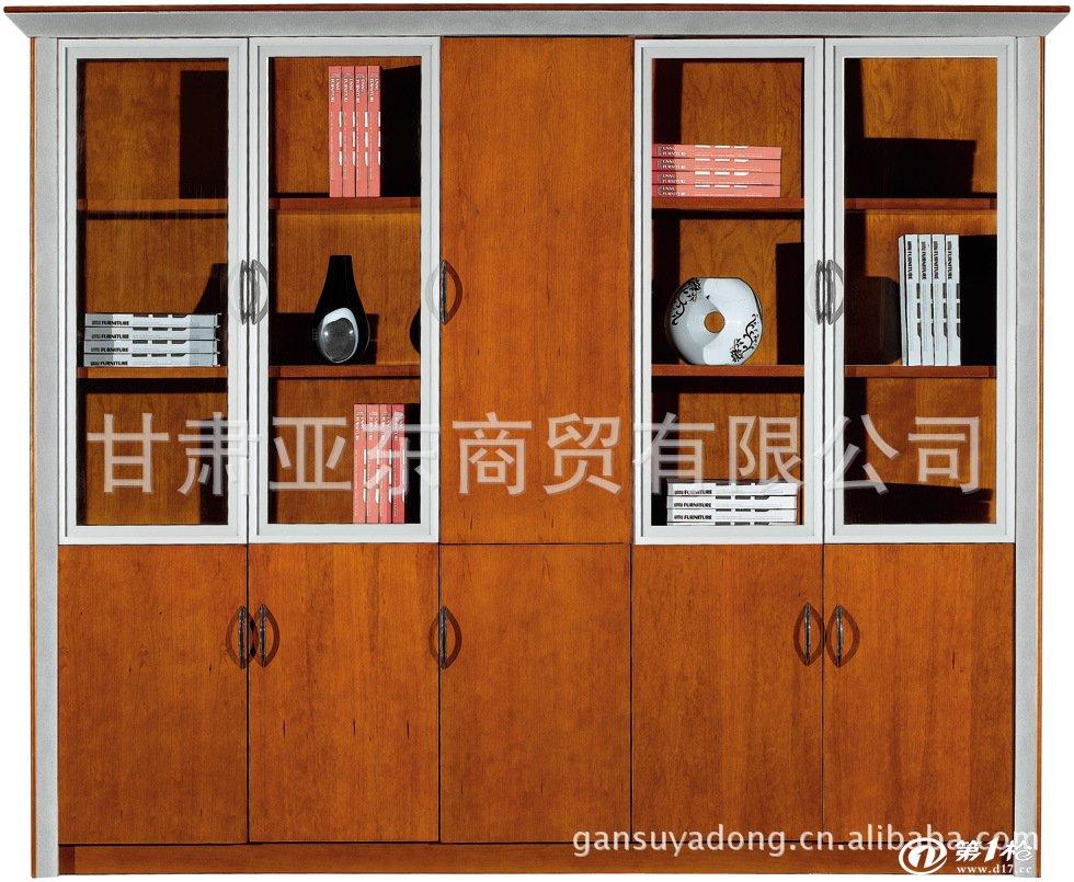 家具,乐器,地板等常用木材 樱桃木的产地  樱桃木多产于北欧和北美等