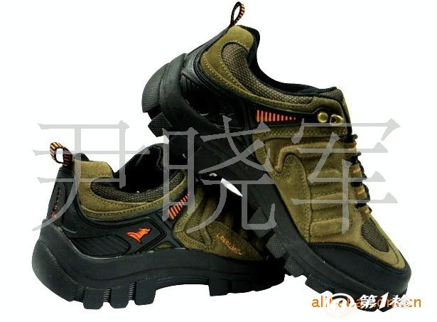 专业生产户外登山鞋徒步休闲运动装备