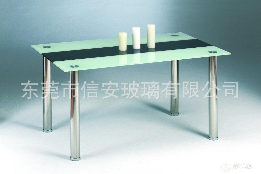 本公司是专业从事玻璃深加工的工厂,主要加工生产玻璃壁炉,玻璃茶几