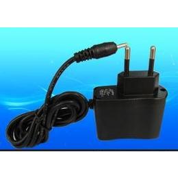 <em>手机充电器</em> 5V1.5A<em>美</em><em>规</em>充电器