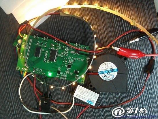 空气净化器控制板空气新清机小家电控制板线路板PCBA方案设计 1.定时功能,LCD显示定时时间和工作累计时间 2.四种工作模式人工模式,自动模式,预约模式,睡眠模式 3.滤网使用时间报警 4.光触媒功能  5.负离子功能 6.净离子功能 7.空气质量传感器自动侦测空气质量等级启动整机清新空气 8.