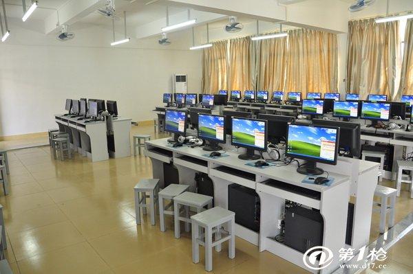 可作 配电 房 3计算机资料 及工作室教师,管理人员工作和 维修场所