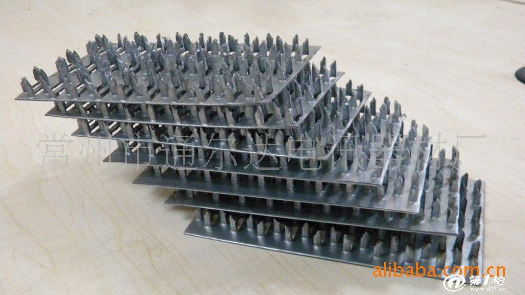 常州市通尔达电讯器材厂主要生产木结构房屋金属连接件,采用高强度热镀锌板,生产的产品符合GB50005-2003木结构设计国家规范,产品经过国家权威机构检测,力学性能达到了国内外同类优秀产品的同等标准,公司可以根据客户图纸要求,提供特殊产品的定制。 公司生产的木结构金属连接件,包含托梁连接件、齿板、旋转件等,涵盖了木屋生产中所需的各种配件,自生产木屋金属连接件以来,公司产品已经得到了国内外广大客户的一致好评,我们将一如既往的本着高品质、高服务、低价格的宗旨,欢迎广大木结构生产厂家来厂洽谈。联系人:丁先生