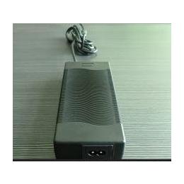 供应8.4V 10A 锂电池电池组充电器