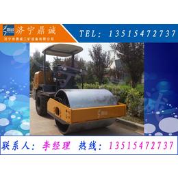 山东济宁压土机+3.5吨小压路机 轮胎振动碾