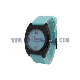 内外贸爆款热销时尚个性尼克松硅胶手表质量可靠
