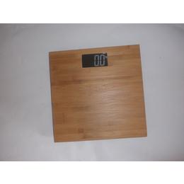 新款竹制人体脂肪秤 时尚简约平安国际娱乐秤竹面板 环保竹木健康体重秤