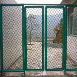 安平铄凯美格网厂家 菱形喷塑美格网防护网 体育场美格网护栏网