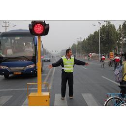 厂家供应移动式交通信号灯十字路口红绿灯