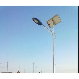辛集太阳能路灯厂家2018升级款辛集LED路灯施工现场安装
