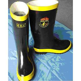 供应97款消防战斗靴防护靴消防鞋底带钢板防护靴消防战斗服价格