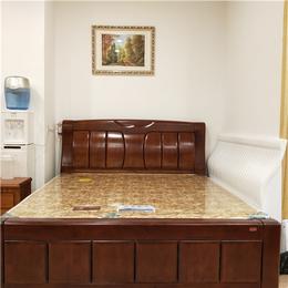 南昌实木床定制 1.8松木双人床 环保材料 厂家直销