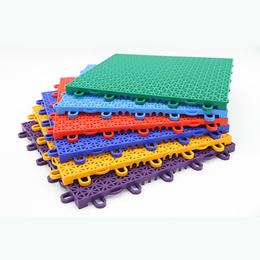 厂家直销幼儿园小米格悬浮式拼装地板户外篮球场学校跑道操场地板