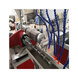 中瑞加筋管单螺杆管材挤出机生产qy8千亿国际