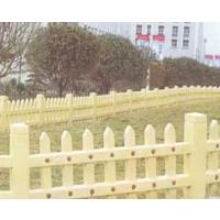 仿木护栏对花草起到的作用