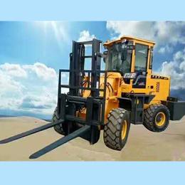 3吨越野叉车提升高度4米中首重工亚博国际版价格p