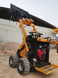 适用于狭小空间使用的滑移装载机船厂清仓用小铲车