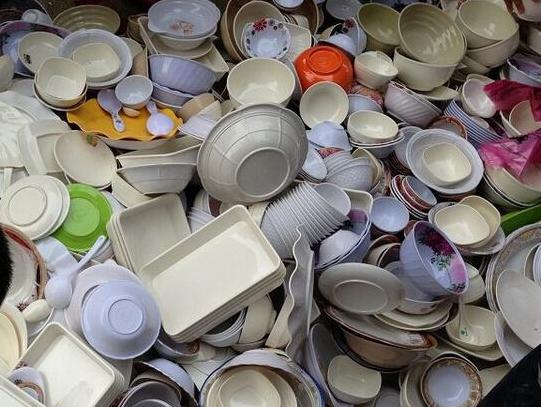 仿瓷碗注意甲醛問題