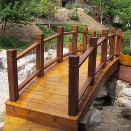 防腐木拱桥户外庭院花园小木桥 碳化木桥园林景观大桥装饰桥
