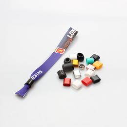 厂家直销各类夜光 迷彩 分段 印刷 凹凸字硅胶手环