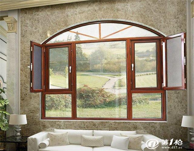 阳光房     恒达美断桥铝塑复合门窗采用隔热铝型材和中空玻璃,仿欧式