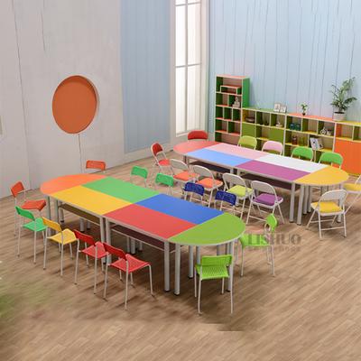 中小学生多人拼接固定课桌椅