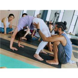 江西瑜伽-红谷滩一禾瑜伽馆-双语瑜伽