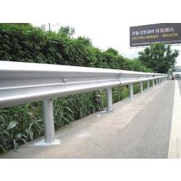 高速护栏板安装报价 路侧双波浪护栏板