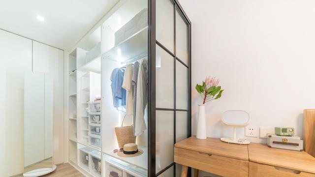 家里只需留出3平米,做个超实用的衣帽间,没有女人不爱它!