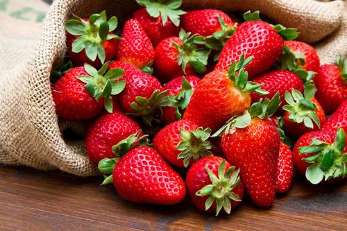 """草莓上市,教你若何買到""""正派""""草莓"""